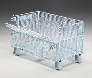 Folding wire container with open door